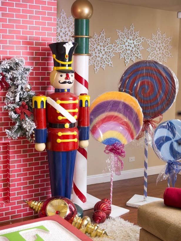 an error occurred - Celebrities Christmas Decorated Homes