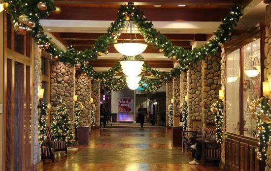 Chukchansi Gold Resort And Casino Downtown Decorations