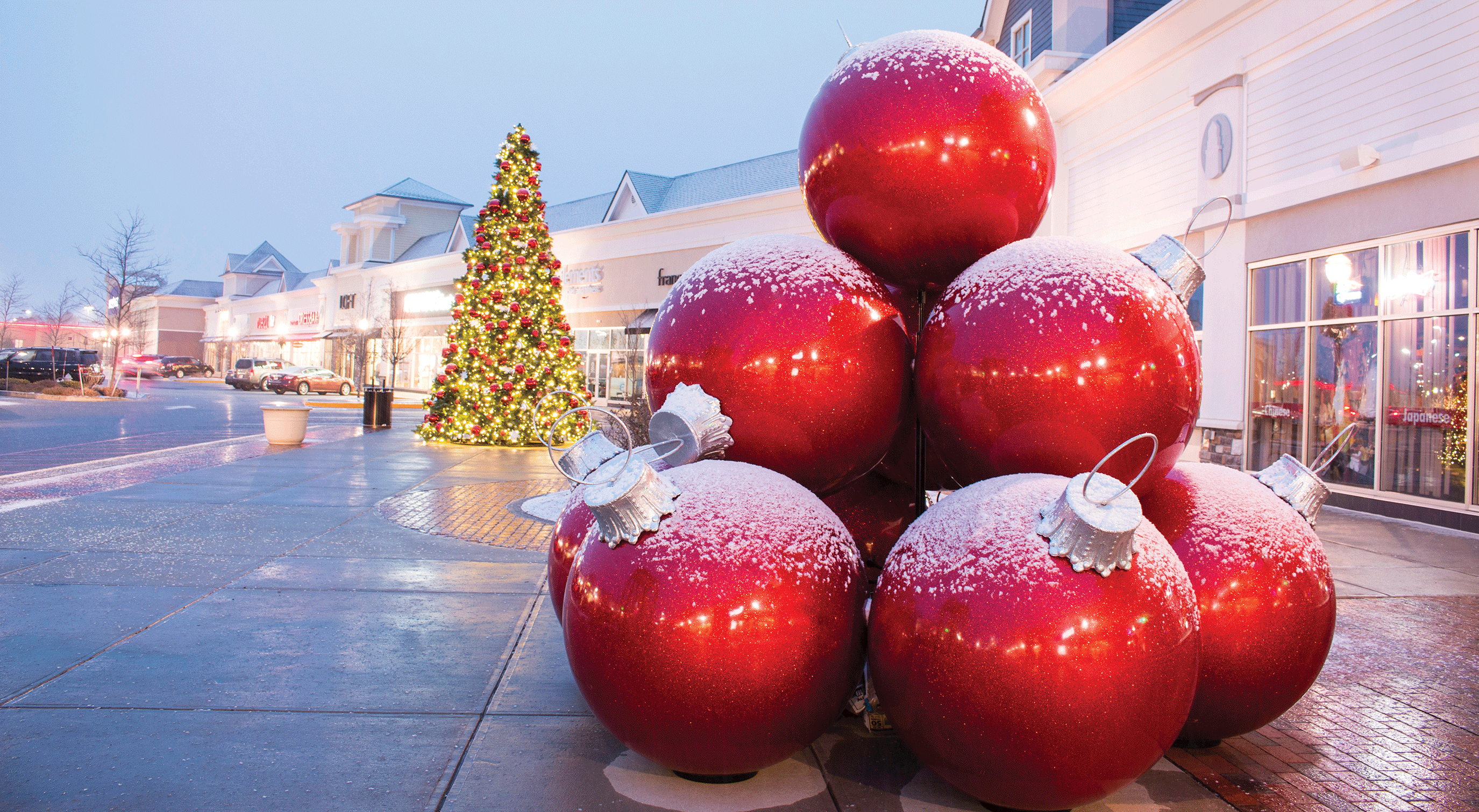 giant fiberglass ornament stack - Fiberglass Christmas Decorations