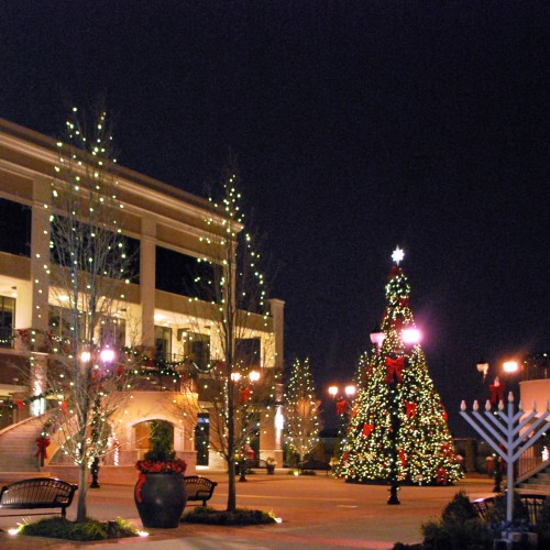 Shopping mall christmas decorations christmas mall d cor - Market place at garden state park ...